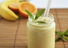 生活小知识:长期饮用果汁对身体并不好 喝果汁不如直接吃水果