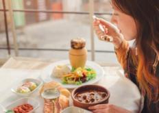 生活小知识:延缓衰老爱美的你怎么做 食疗延缓衰老减少错误饮食