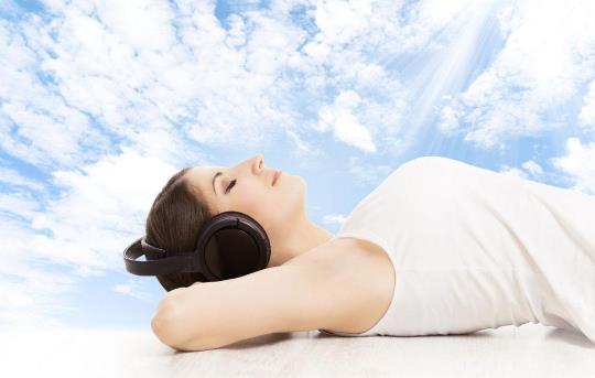 生活小知识:噪音过大听音乐更伤听力!