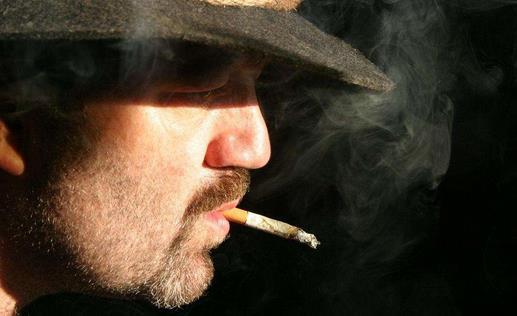 生活小知识:老烟枪别犯这些吸烟误区