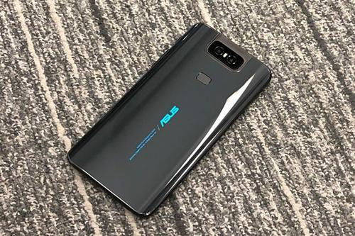 它实际上似乎与我们在华硕ZenFone6上看到的非常相似