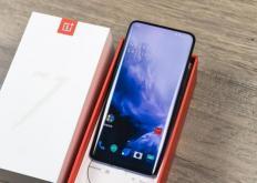 公司就推出了其首款5G智能手机一加7Pro5G