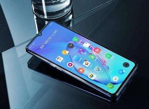 它实际上是第一款逃离中国的RealmeGT智能手机