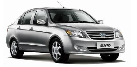 汽车详细评测:夏利N5外观方面展示