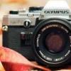 一个很好的第一步是利用各种各样的替代相机应用程序