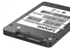 虽然更快更耐用的固态磁盘存储消除了旋转盘片