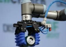 DoubleRobotics还拥有一个新的相机套件具有150度的广角视图