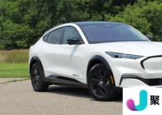 2022 年福特野马 Mach-E 获得电池容量提升
